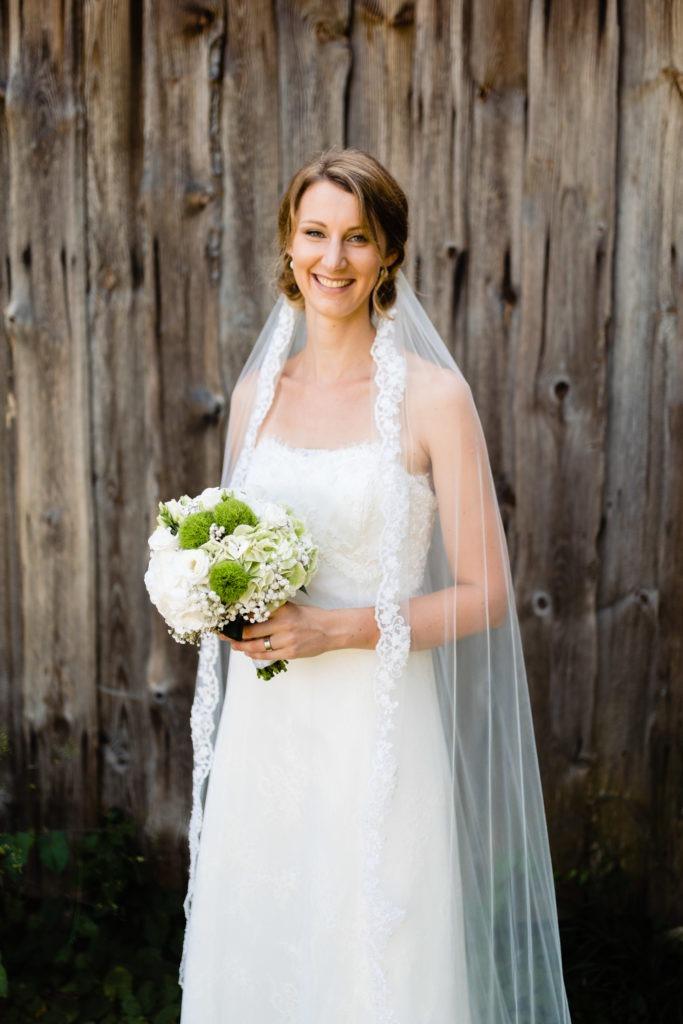 Glückliche Braut - Hochzeitsfotografie Fürstenfeldbruck