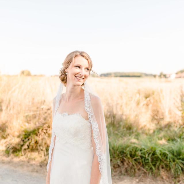 Fotografie der Braut in der Natur - Hochzeitsfotografie Fürstenfeldbruck