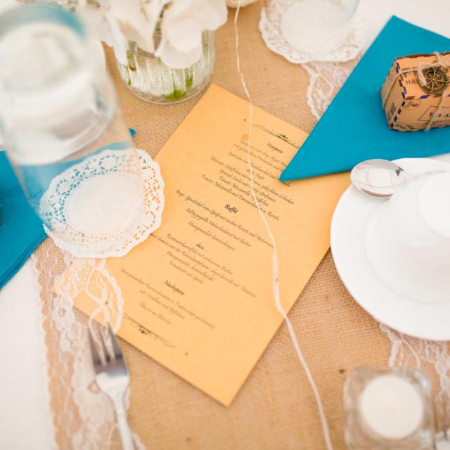Hochzeitstafel mit Speißekarte -Hochzeitsfoto-Fürstenfeldbruck