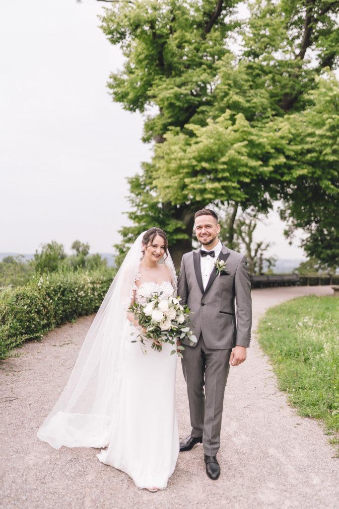 Hochzeitsfotografie vom Brautpaar im Park