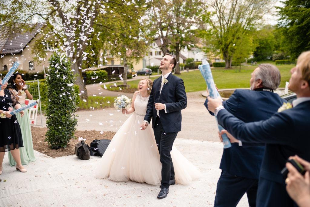 Hochzeitsfotografie von der Ankunft des Brautpaars